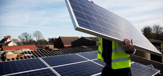 Milyen hatással van környezetére egy napelem farm?